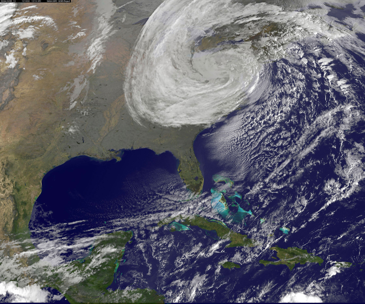 The Full moon and Hurricane Sandy